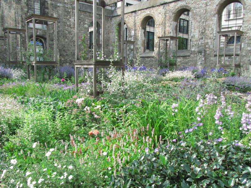 Garten der Kirche