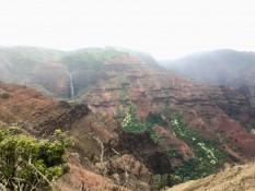 Gerade mal freier Blick. Im Hintergrund: Waipoo Falls